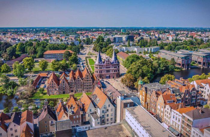 Hallenbau Lübeck Luftbild